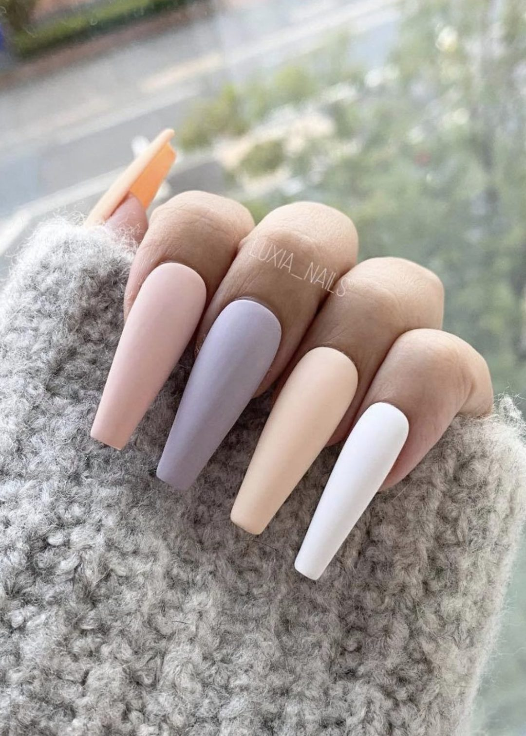 Long neutral ombre press on nails