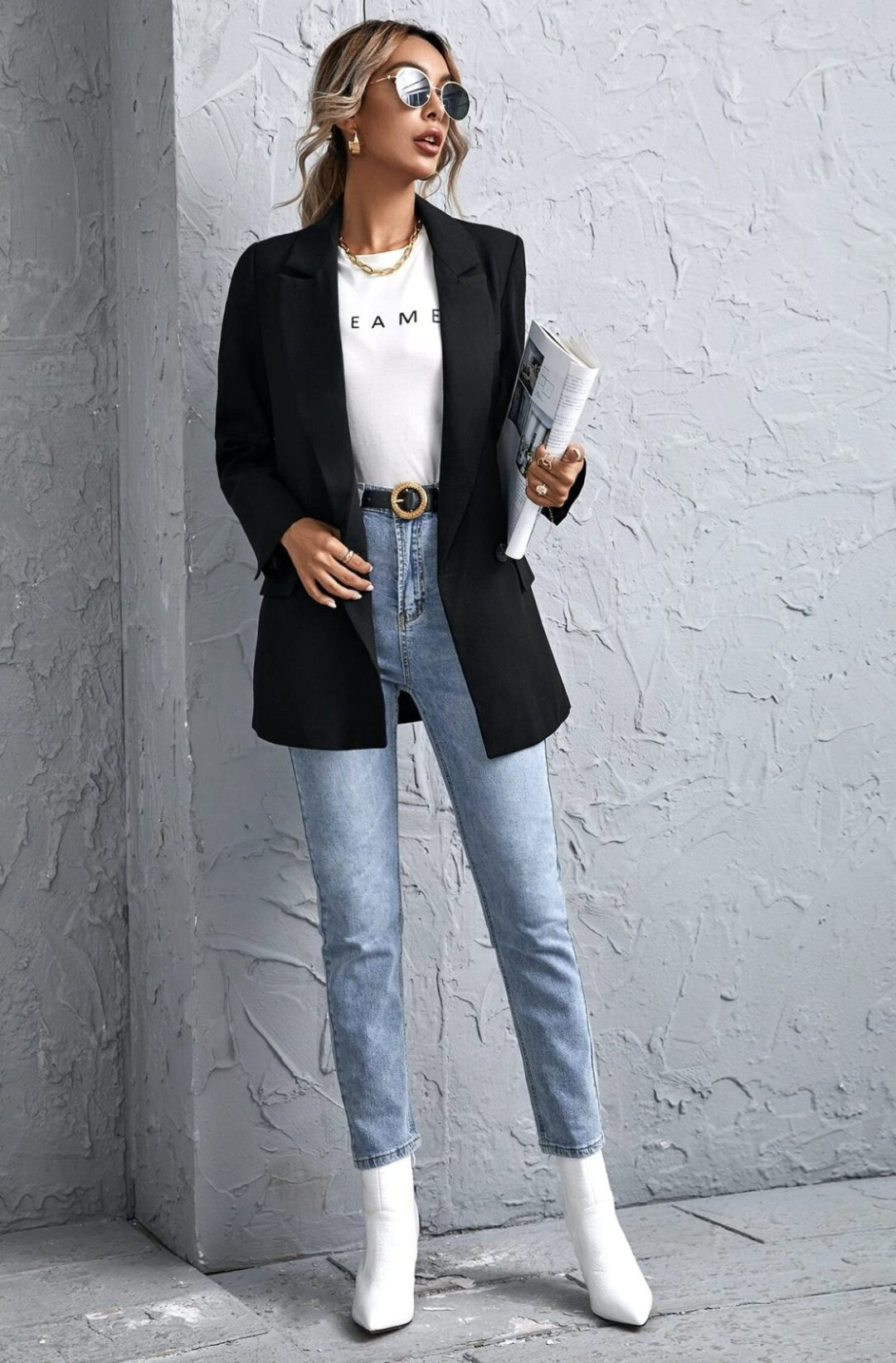 Casual black blazer outfit with jeans and T-shirt