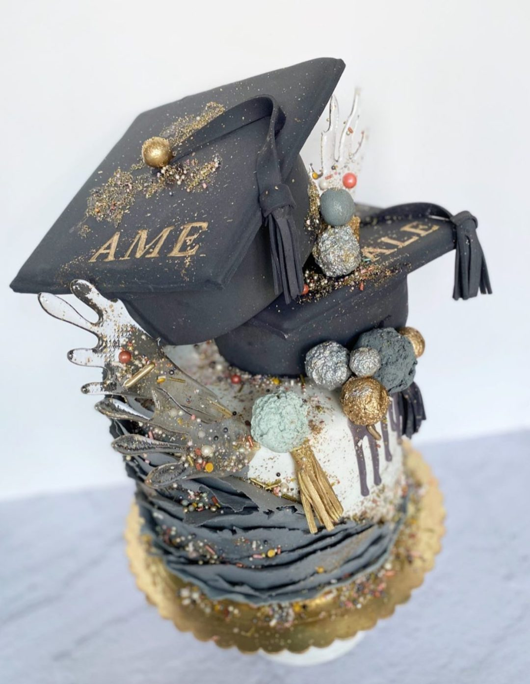 Unique grad cakes with caps