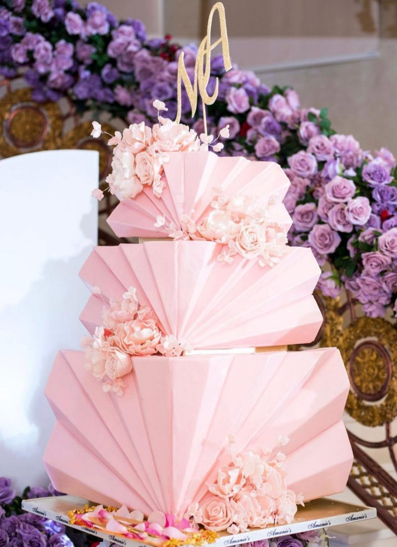 Elegant pink graduation cake