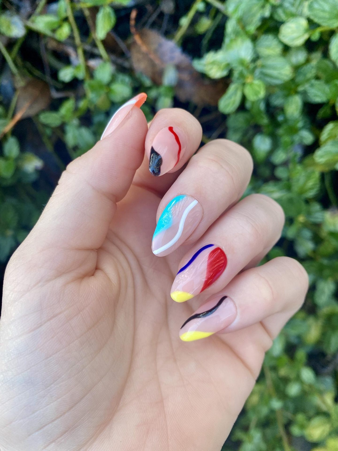 Colorful pattern nails