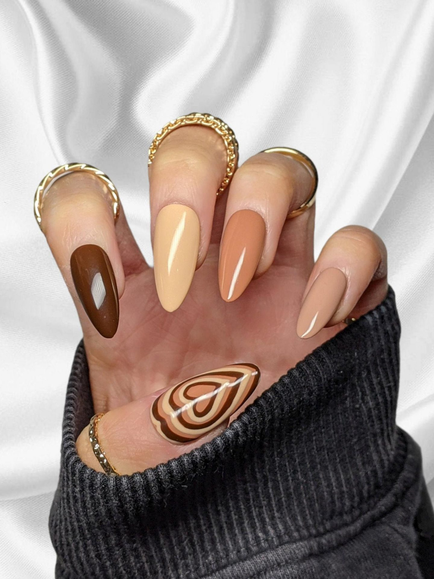 Ombre brown nails with hearts