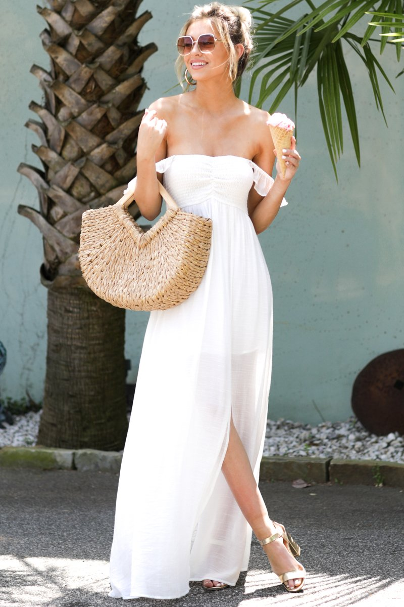 Long white maxi dress for beach outfits