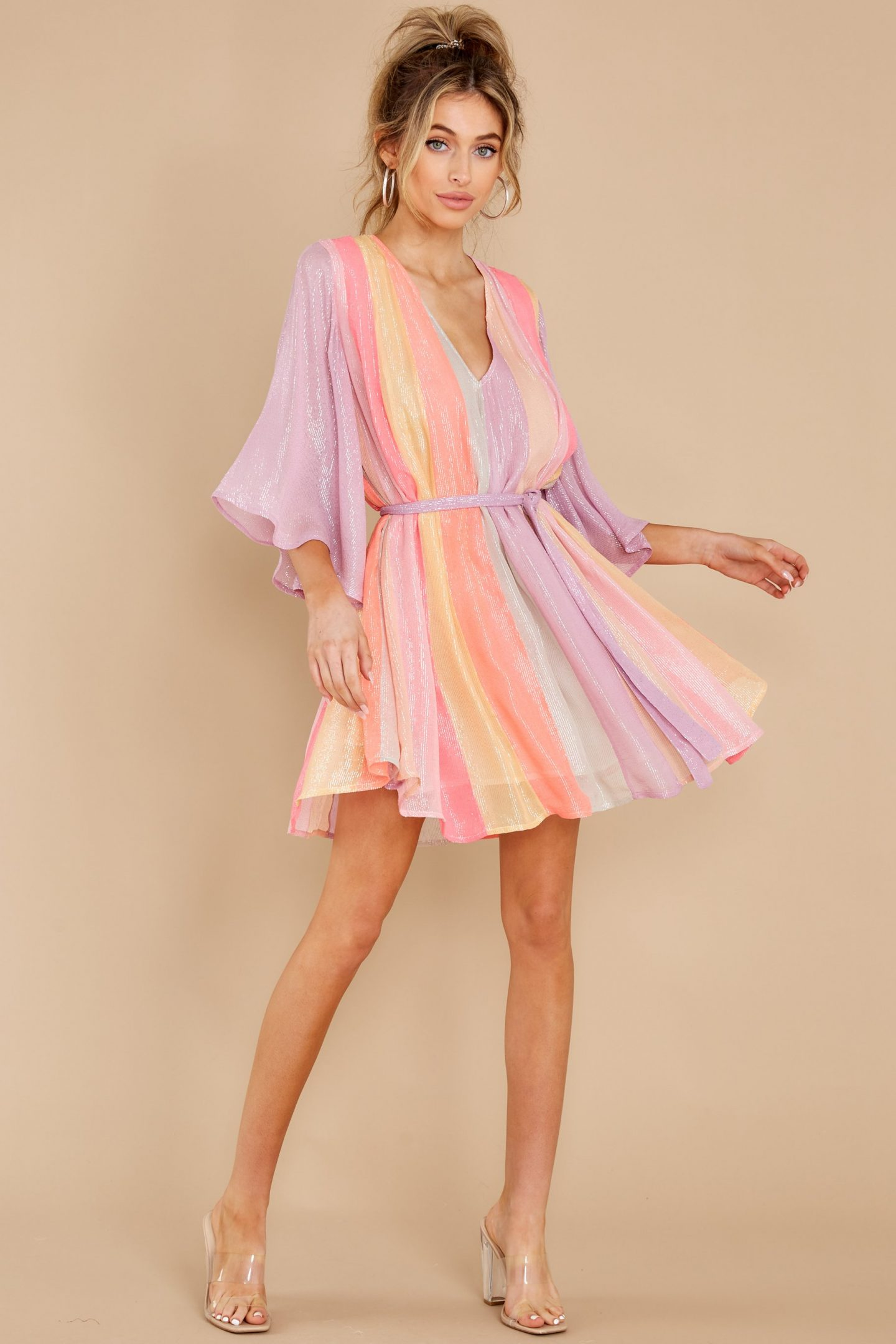 Pastel mini summer dress with long sleeves