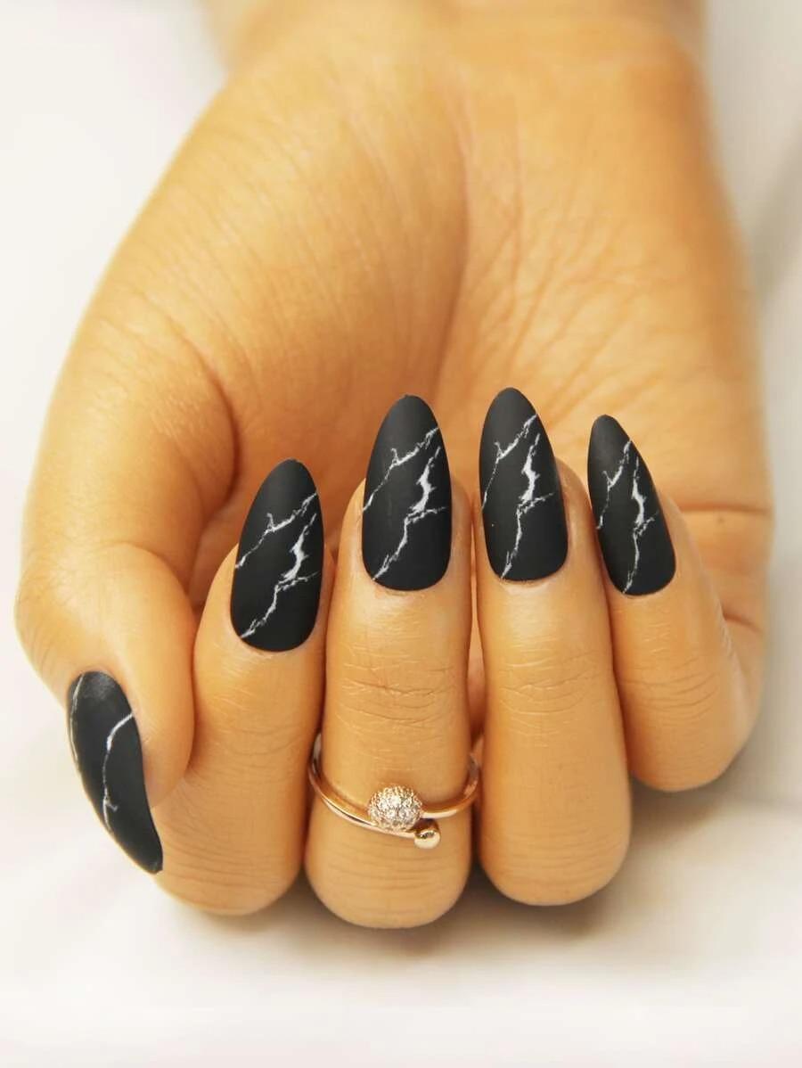 Short black marble nails