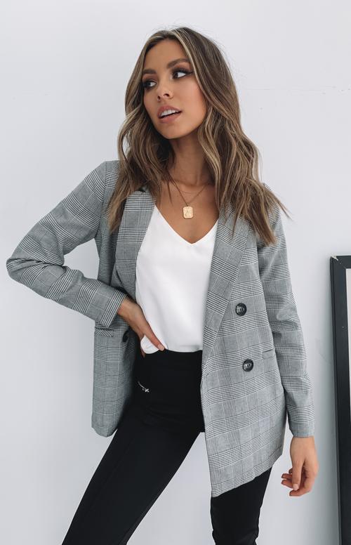 Casual grey blazer outfits
