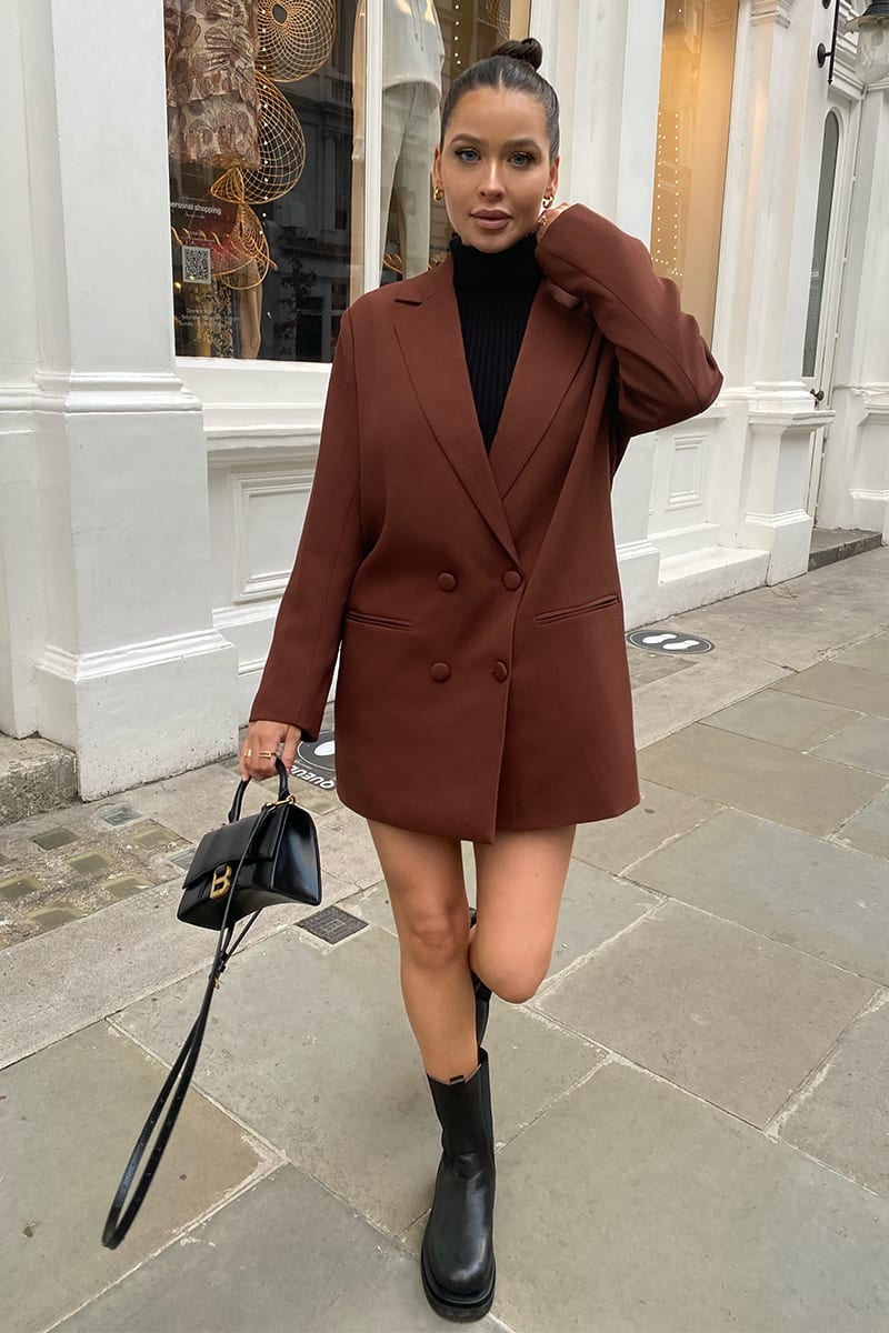 Oversized brown blazer outfit