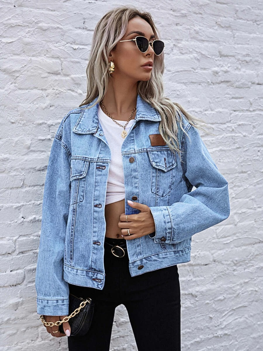 Cute oversized denim jacket outfits with black leggings
