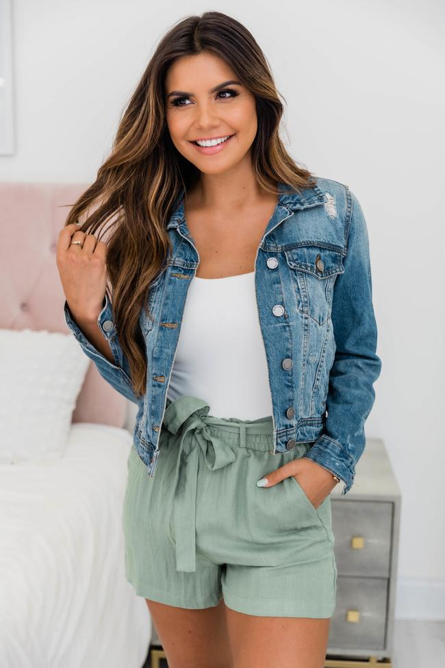 Spring outfits with shorts
