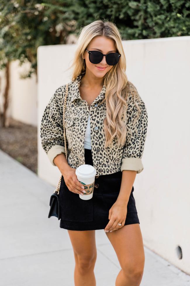Leopard print denim jacket outfit