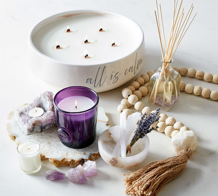 Relaxation gifts every girl wants from her boyfriend: Lavender Calm Collection Gift Set
