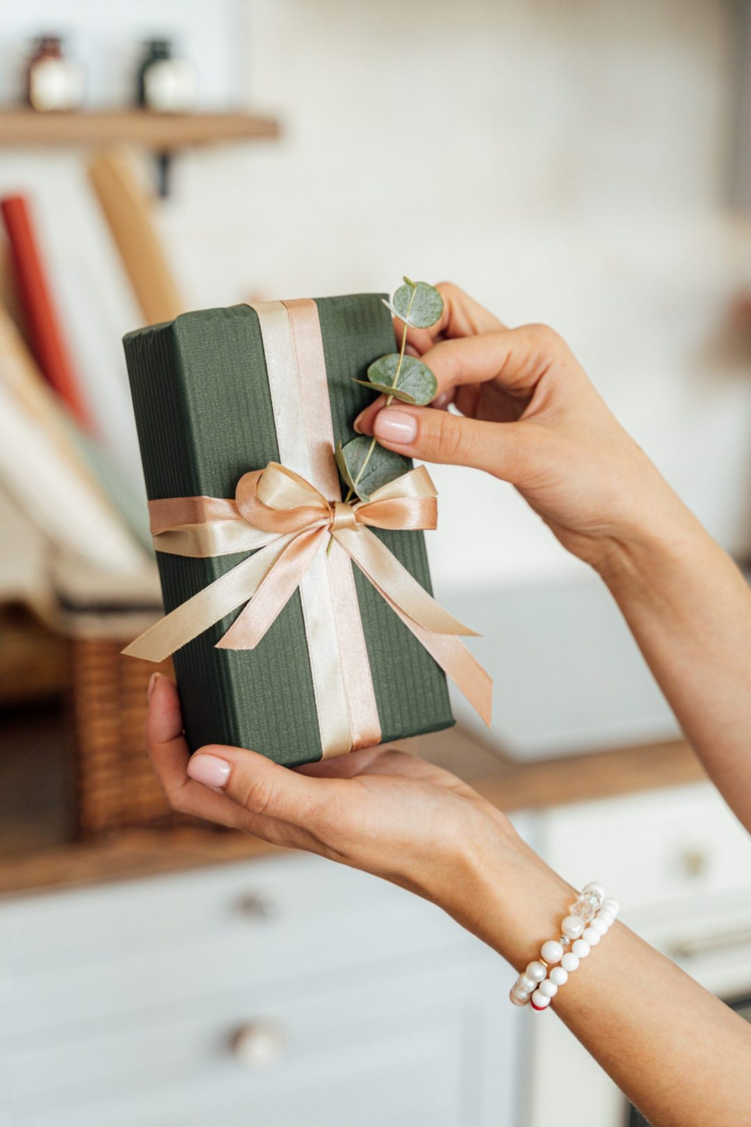 40 Thoughtful Gifts Every Girl Wants From Her Boyfriend