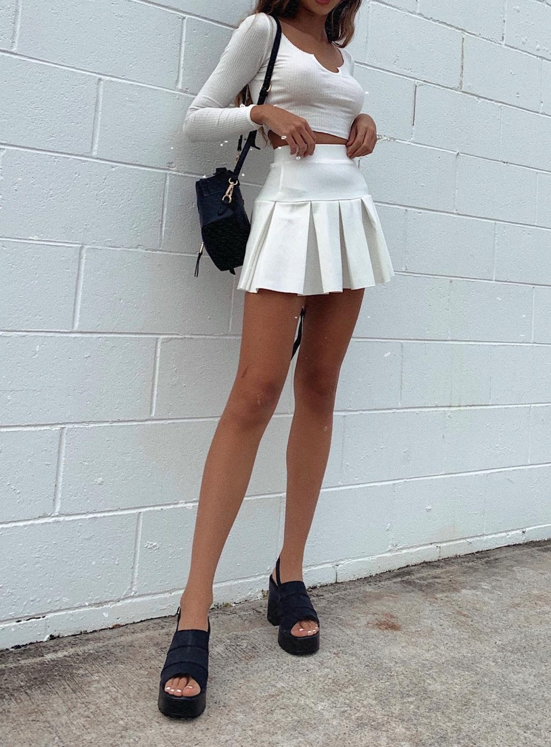 tWhite ennis skirt outfits with crop top