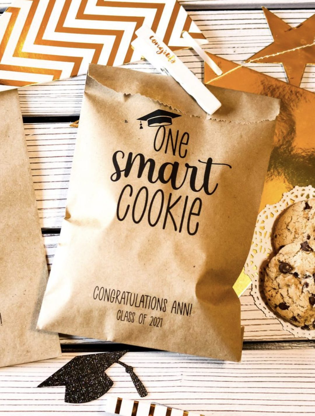 Affordable graduation decorations for cookies
