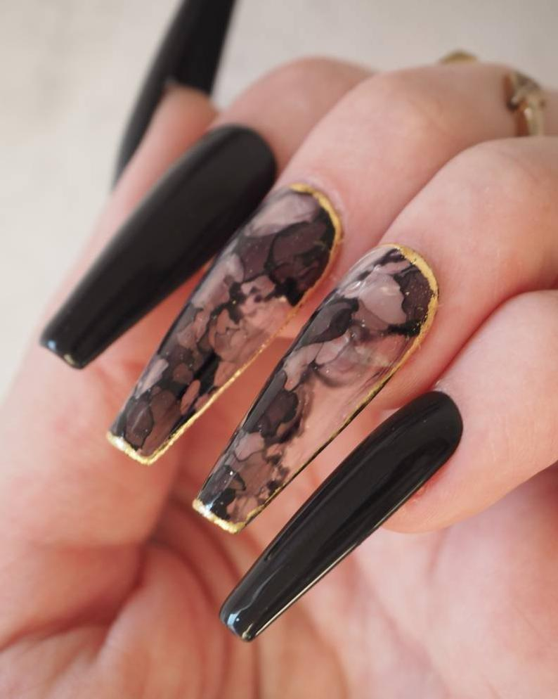 Black smoke nails with gold