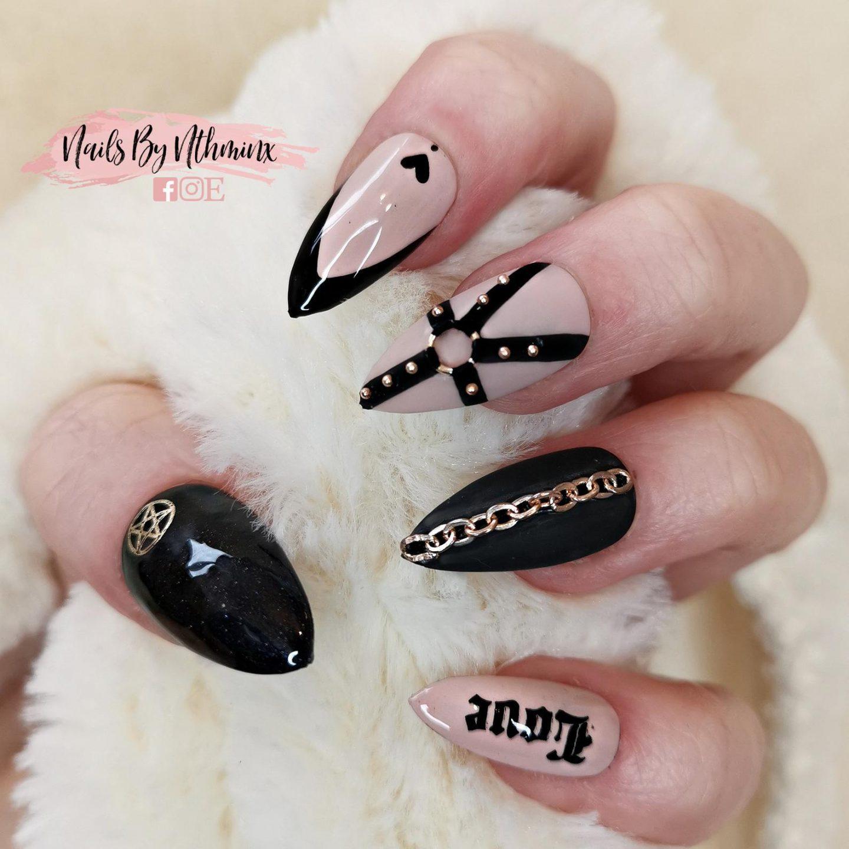 Cute black gothic nails
