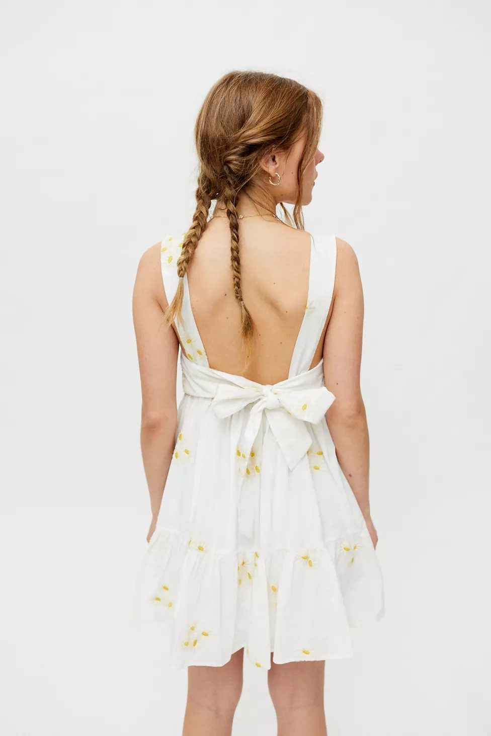 White mini cottagecore dress with ribbon