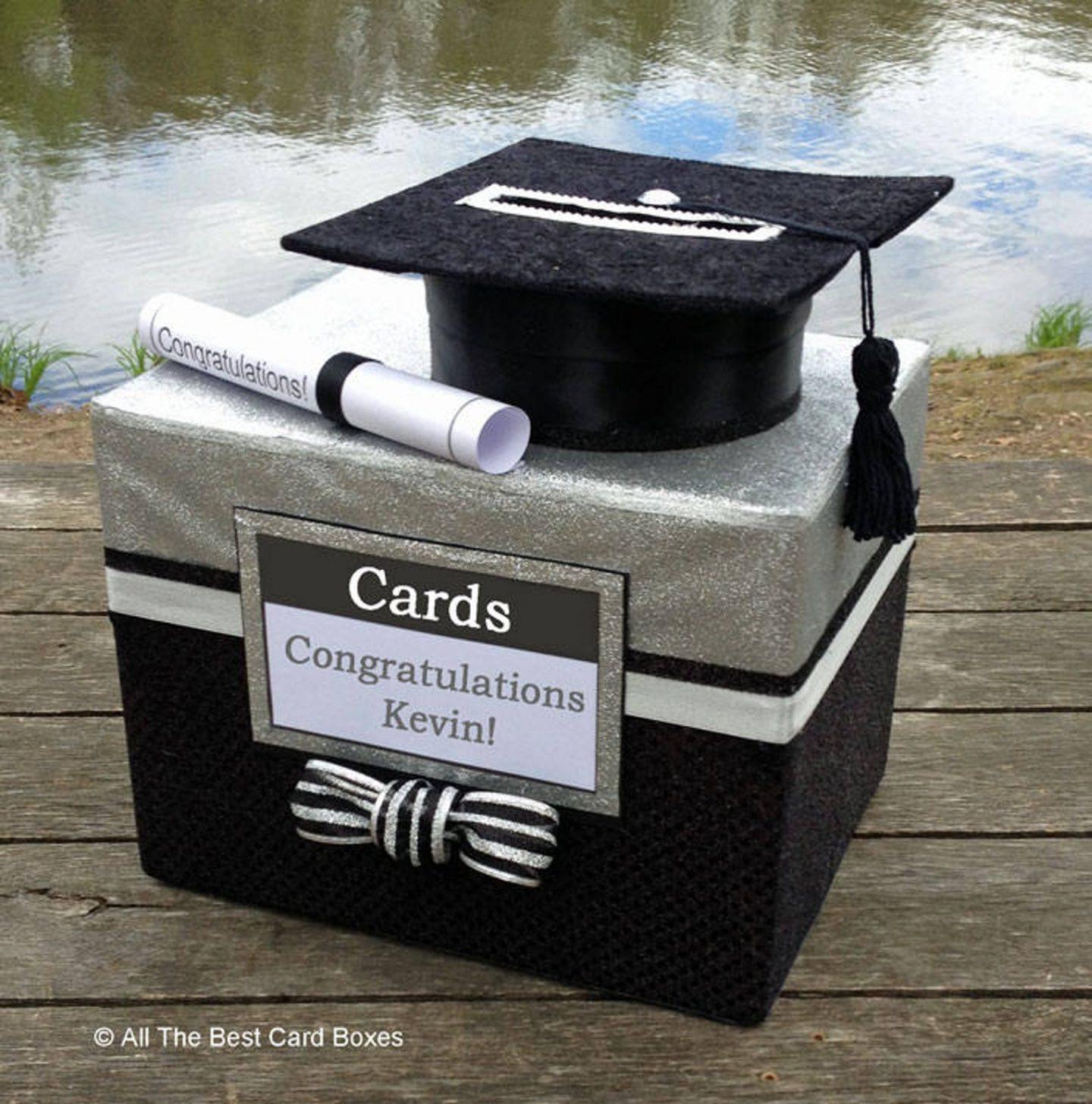 Graduation decorations: Graduation card box