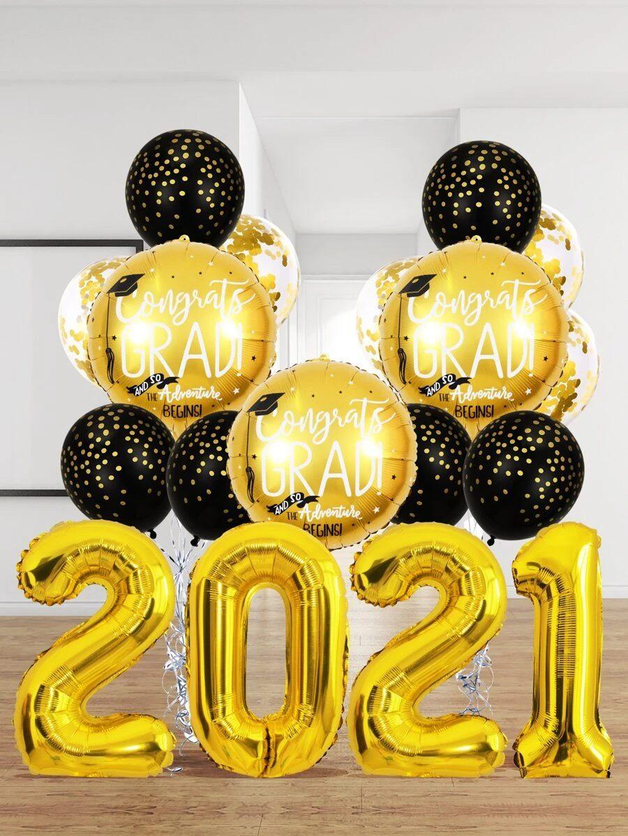 Affordable gold graduation balloons