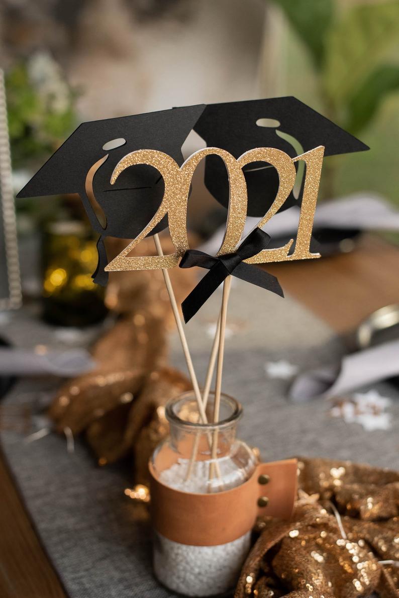 Cute class of 2021 graduation decorations