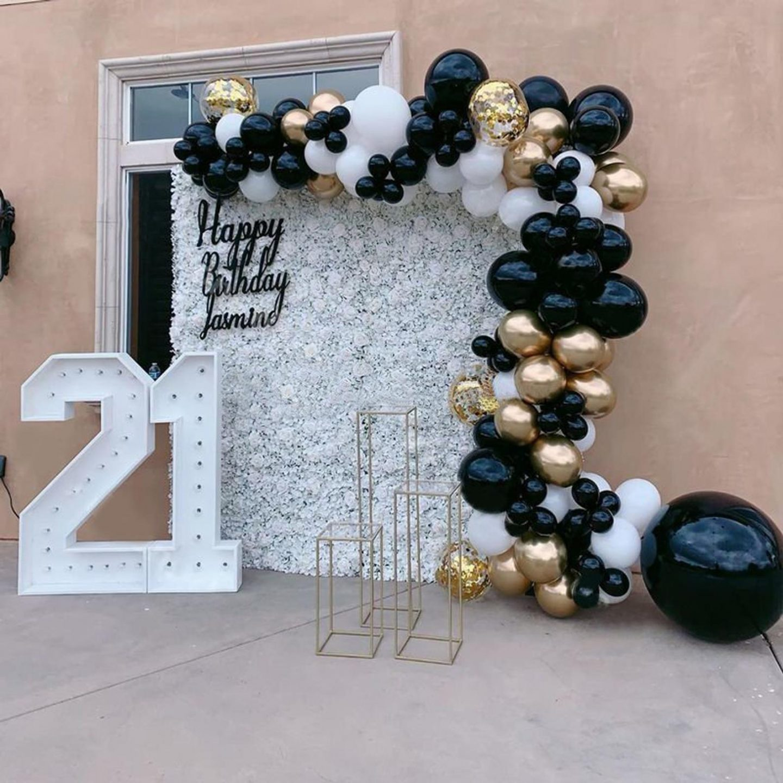 Affordable graduation balloons