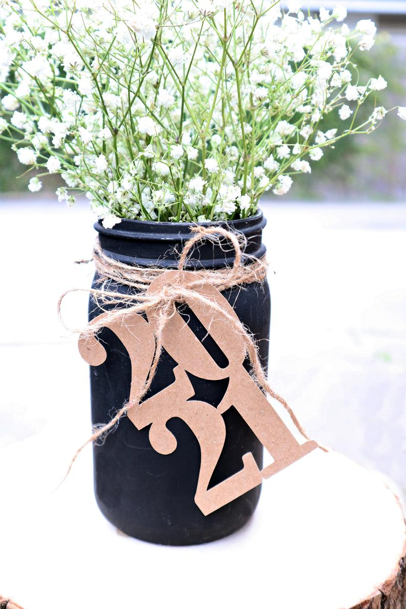 Rustic graduation tag for party