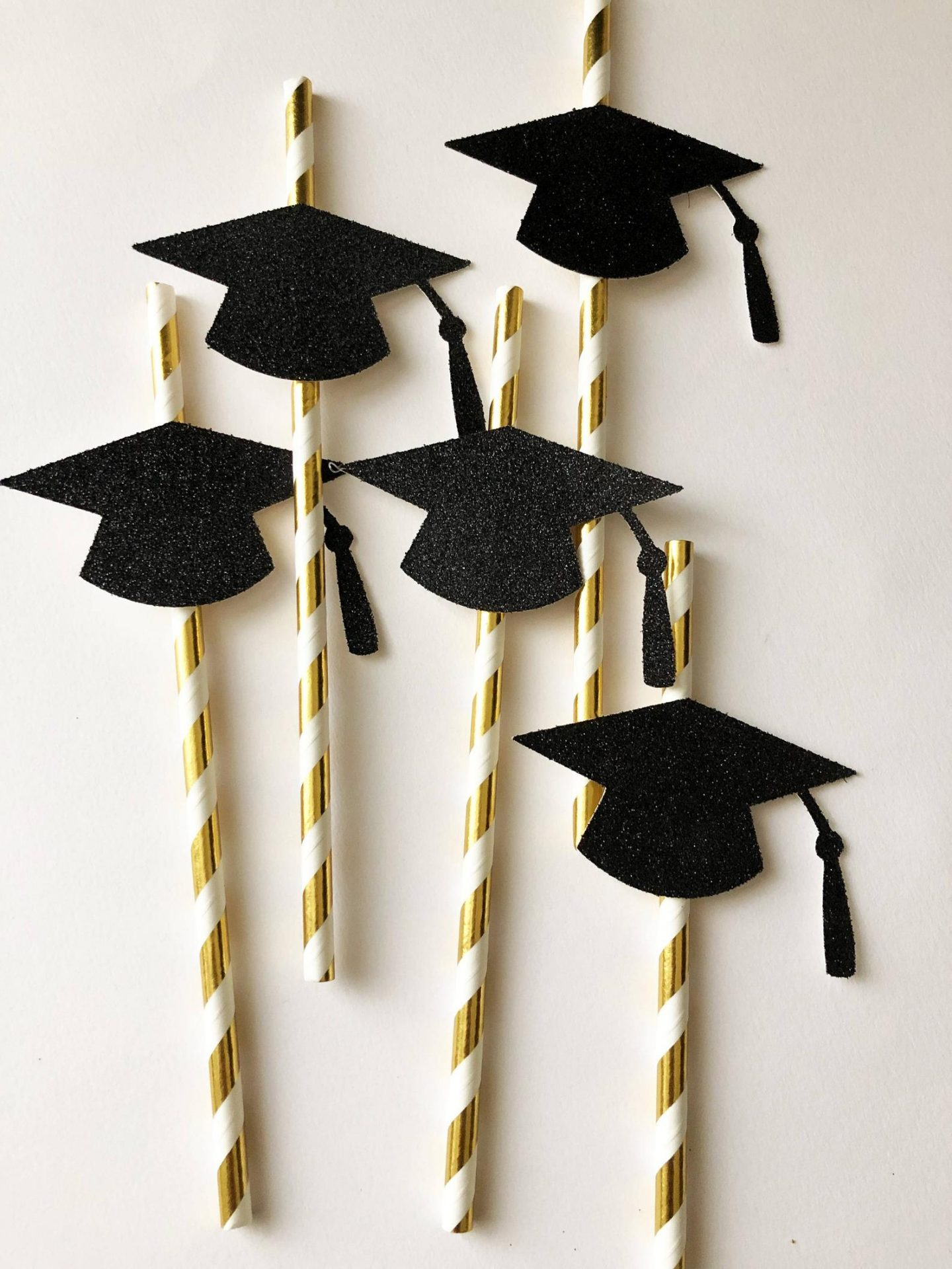 Graduation straws with cap