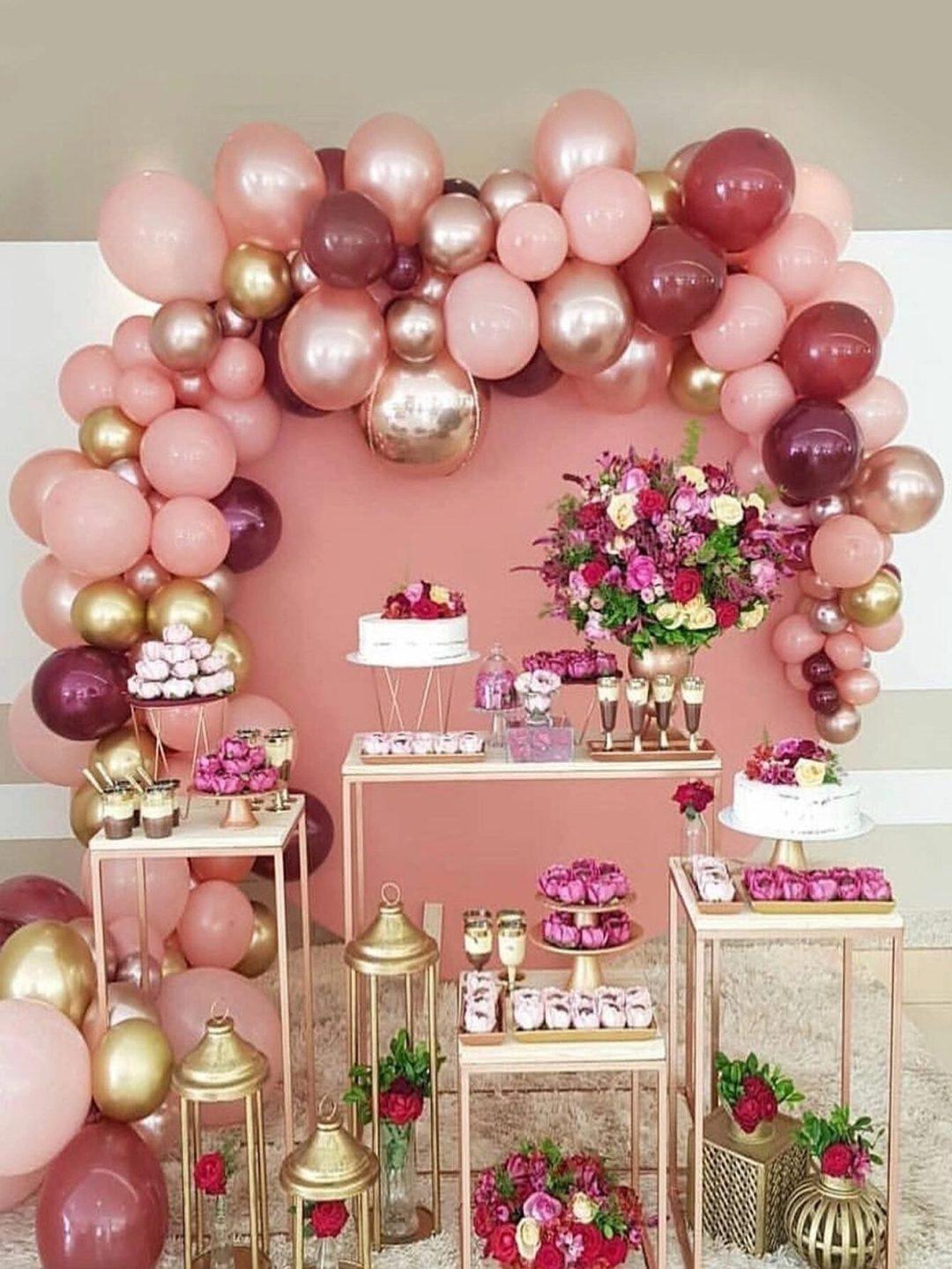 Pink graduation balloons