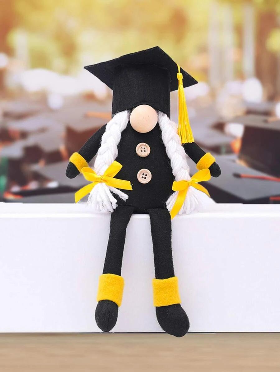 Graduation gnome decoration