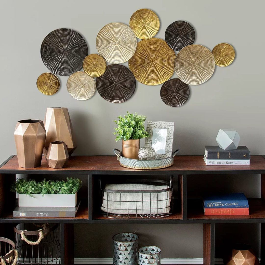 Round metallic and gold wall plates
