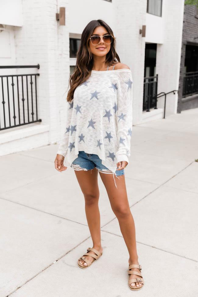 Cute casual 4th of July outfit with sweater