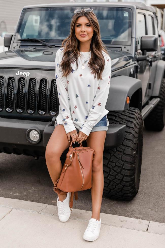 Cute white pullover with stars