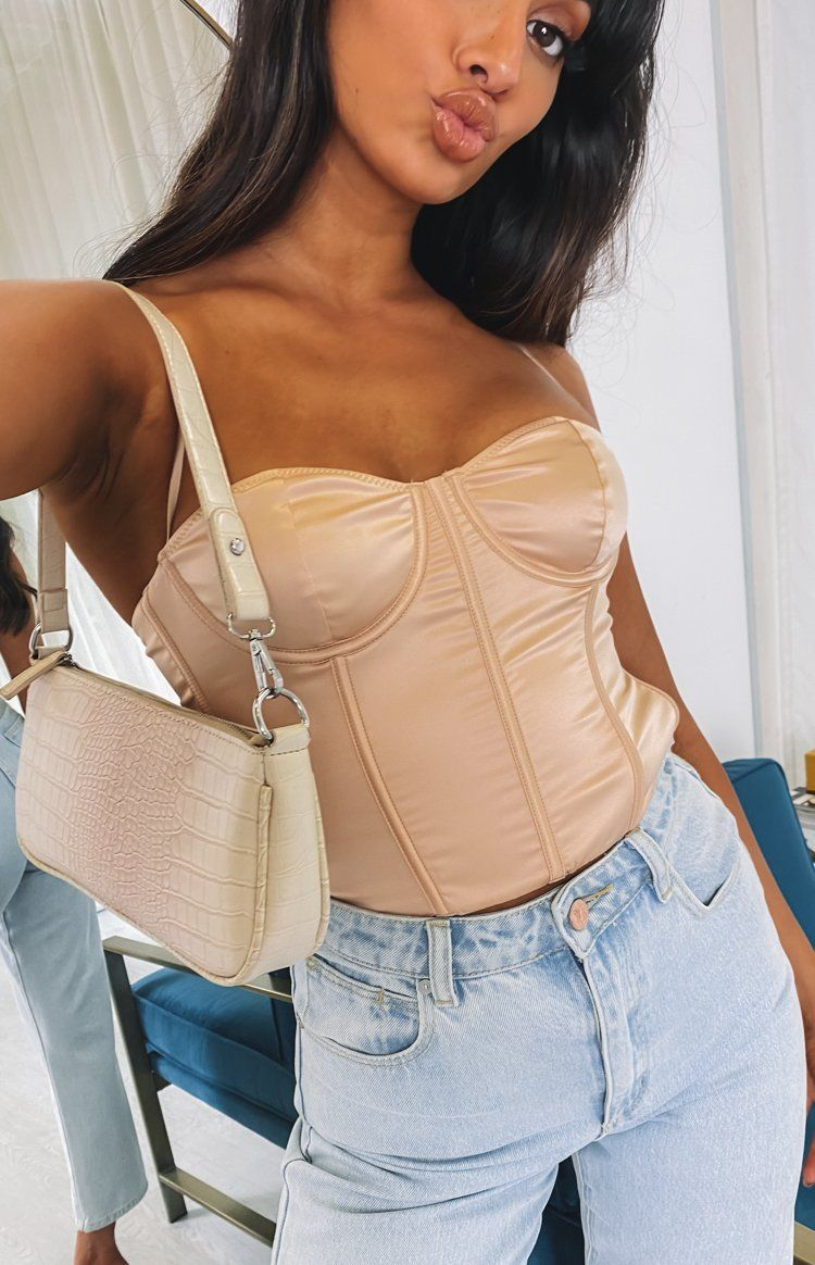 Cute satin beige corset top outfit with jeans