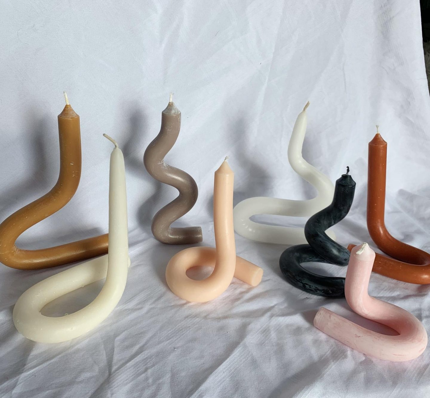 Trendy twisted structural candles
