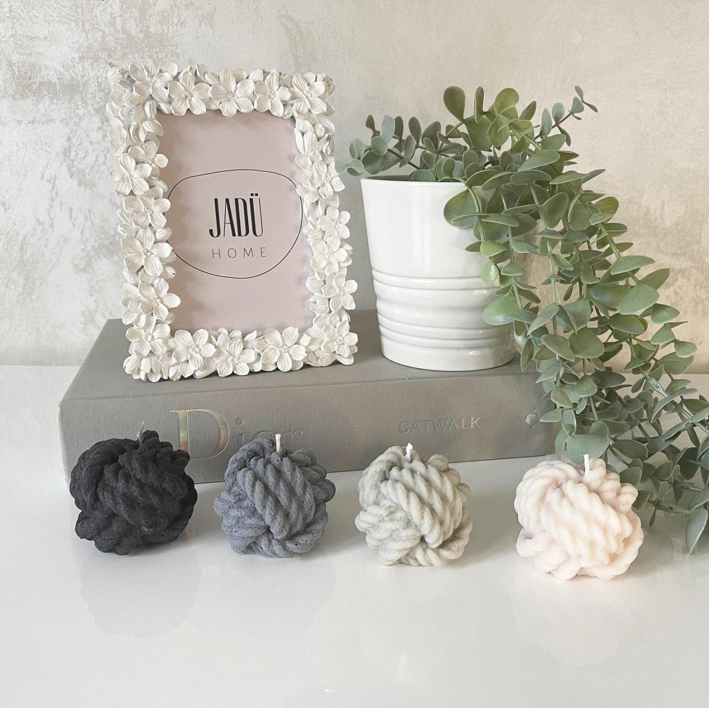 Cute small knot and rope candles