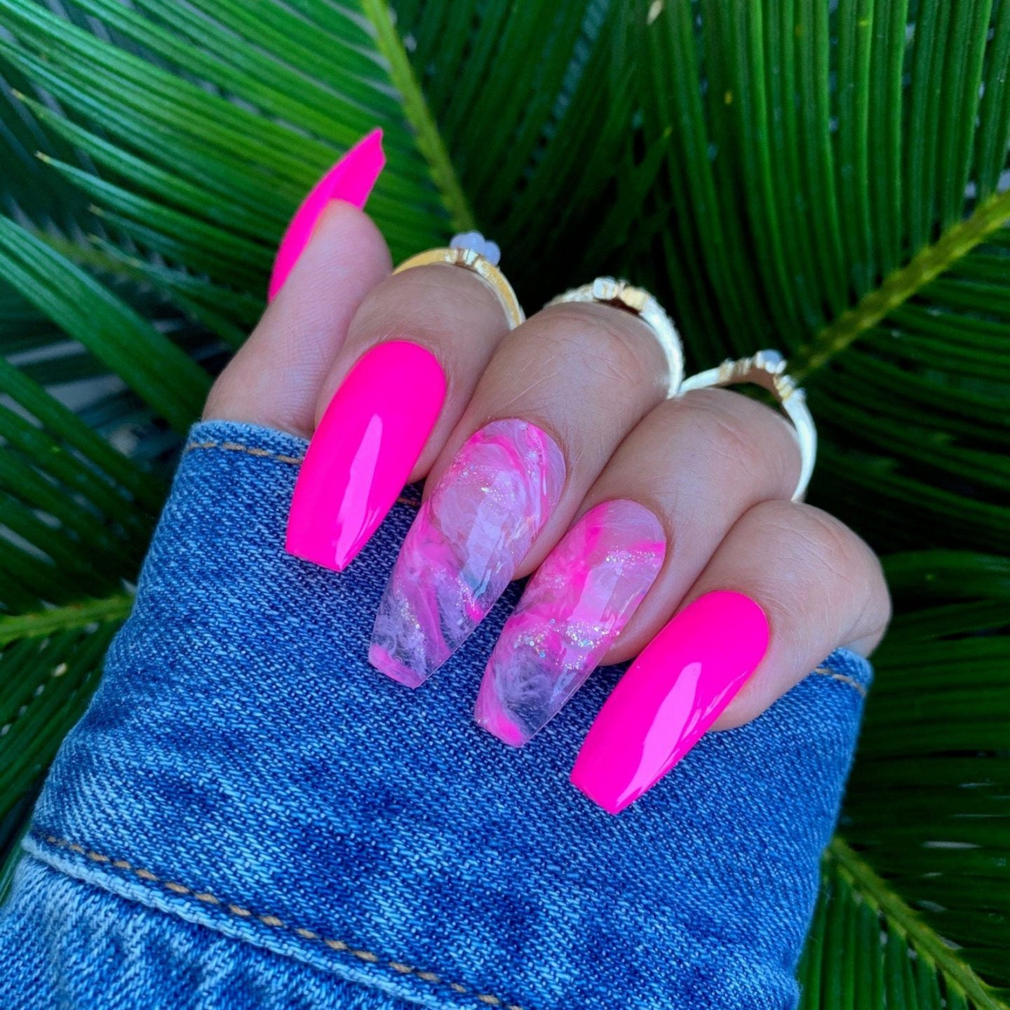 Hot pink nail ideas with marble effect
