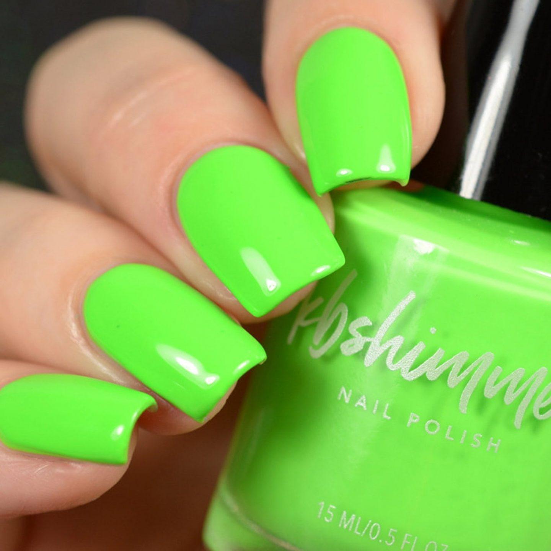 Neon green summer nails