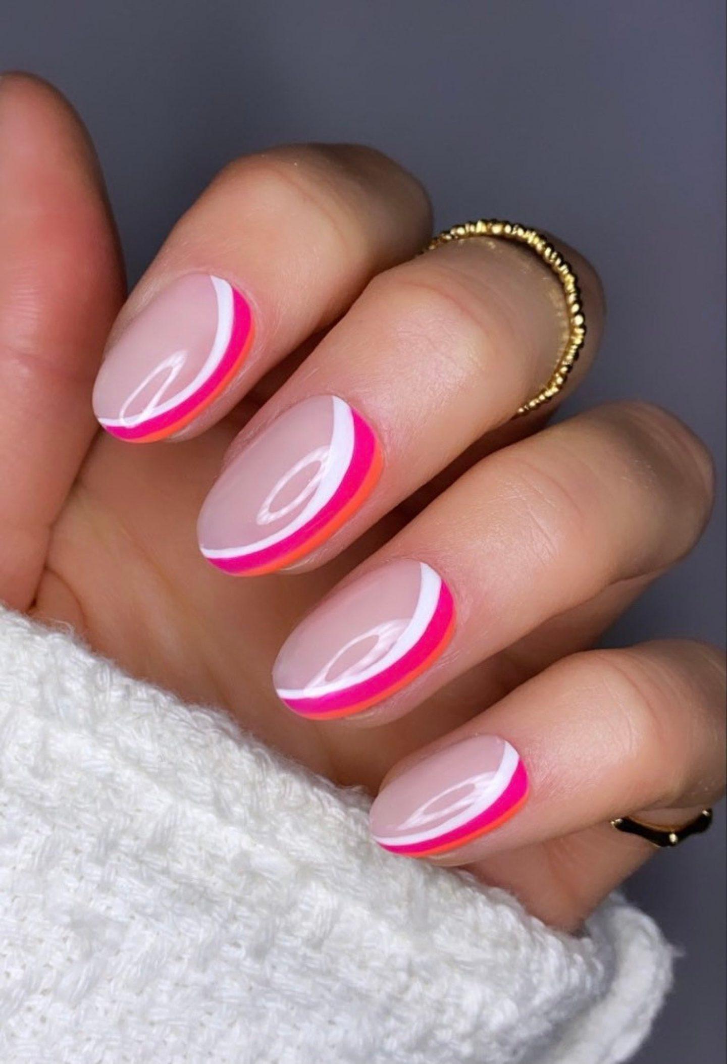 Short neon pink abstract nails