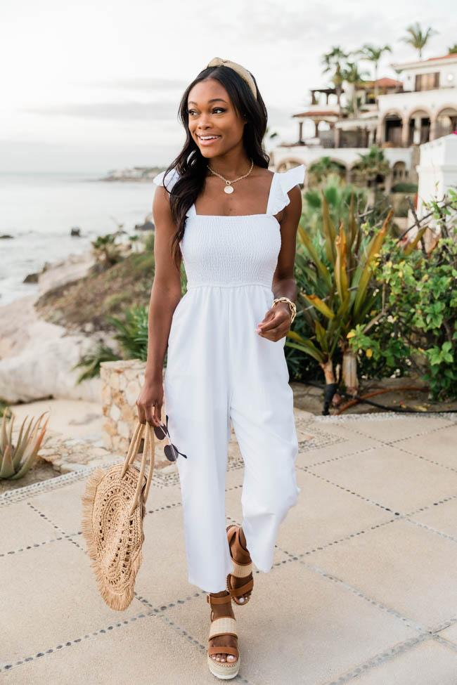 Casual white summer outfits