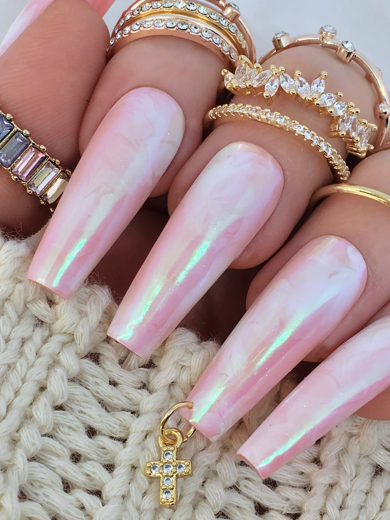 Holographic pink nails in coffin shape