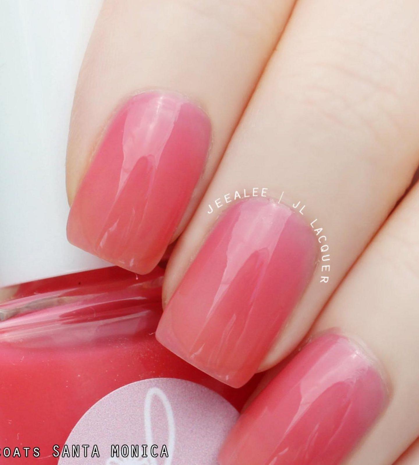 Short coral pink jelly nails