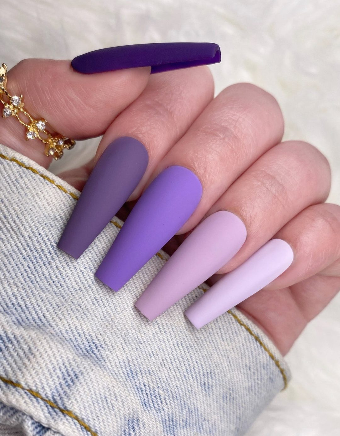 Light and dark purple ombre gradient nails