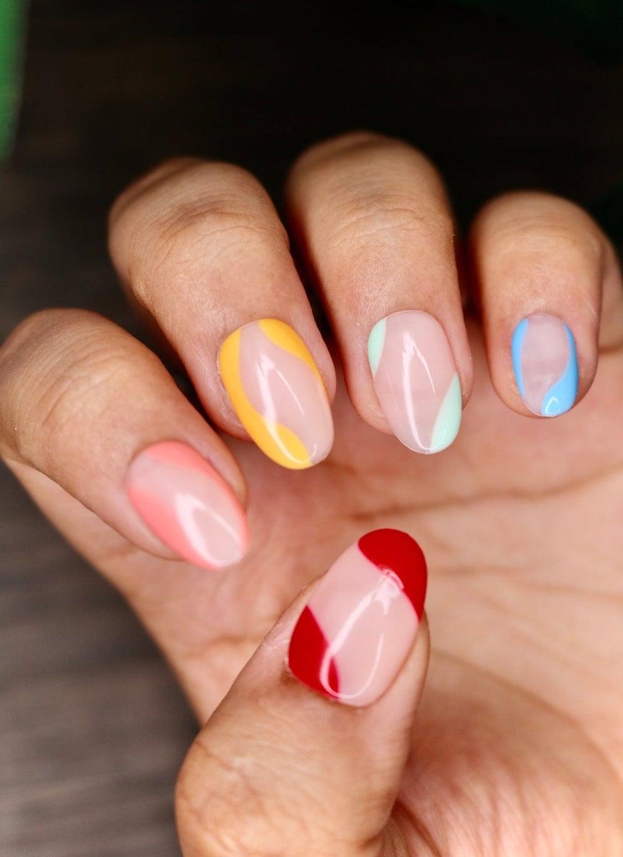 Pastel abstract nails