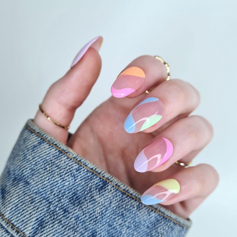 Abstract pastel nails