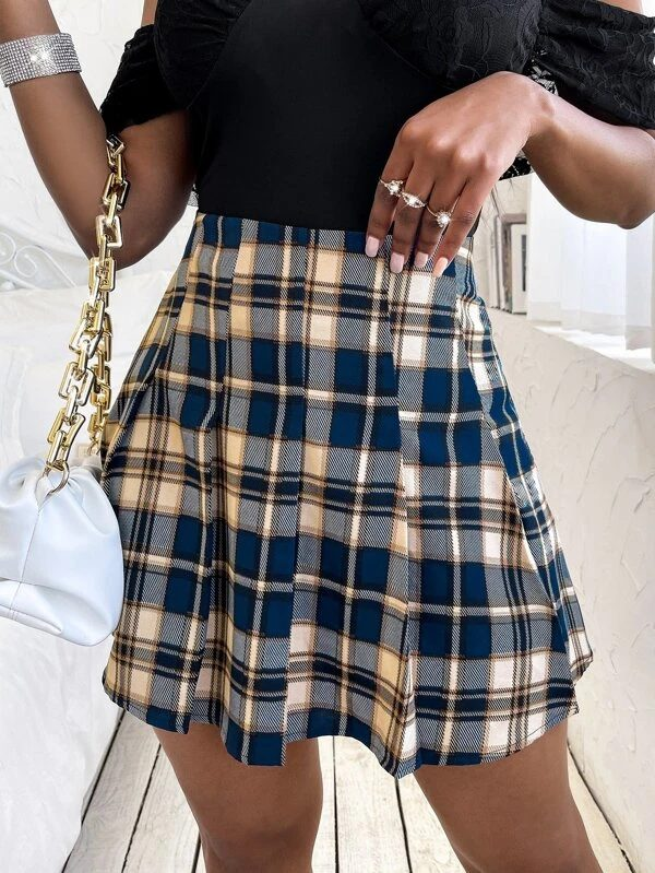Blue plaid mini skirt for back to school outfits