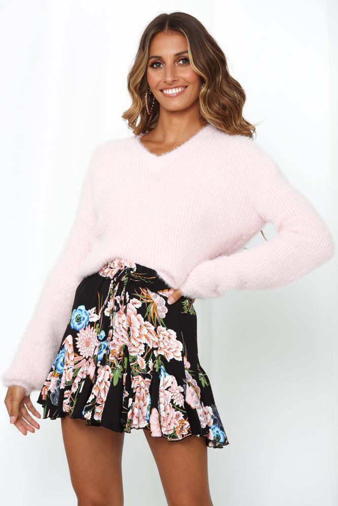 Soft pink oversized jumper for gender reveal party
