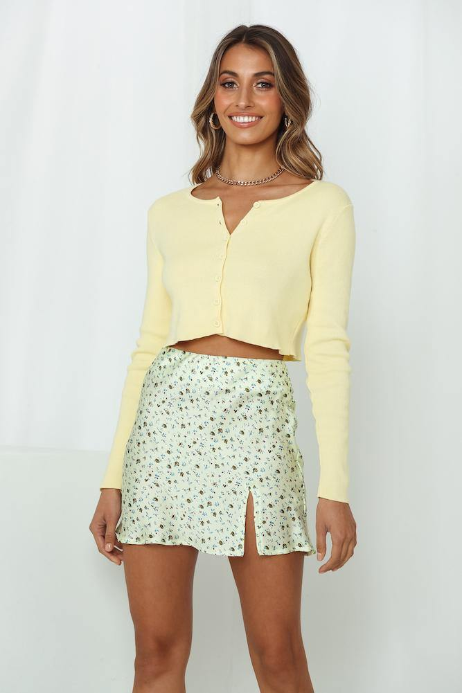 Yellow cropped sweater for gender reveal outfit