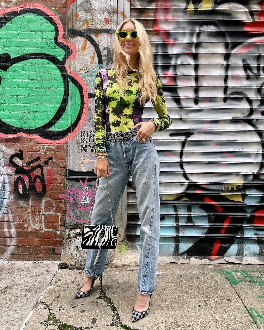 Green bodysuit for outfits with mom jeans
