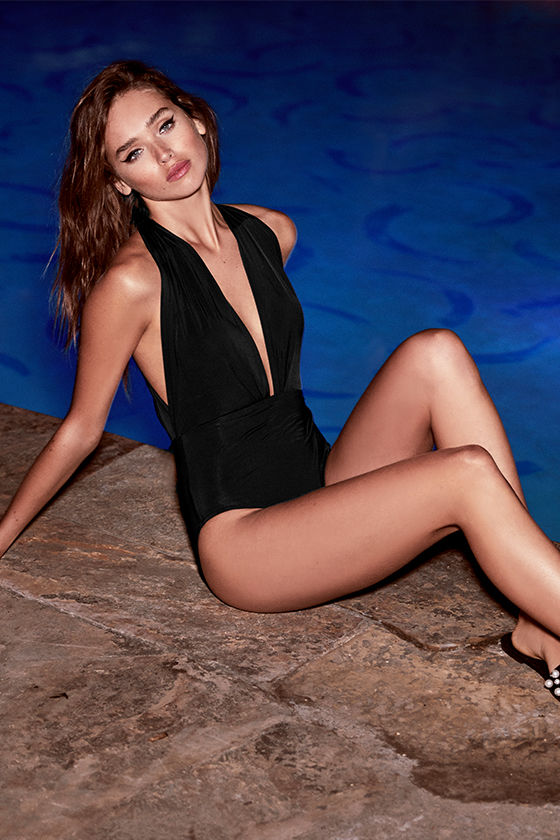 Best Swimsuits for Broad Shoulders: Black halter one piece from Lulus