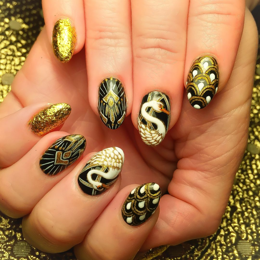 Gold nails with cranes